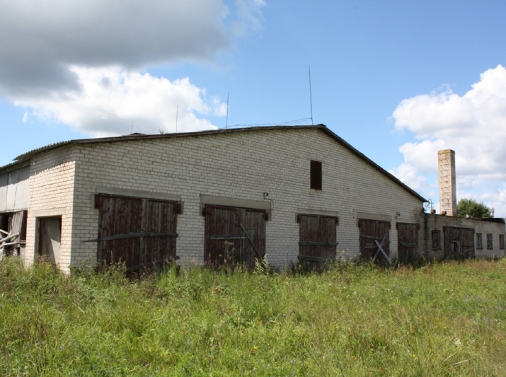 1265 sq m industrial premisesare for sale in Strunos village, Svencionys